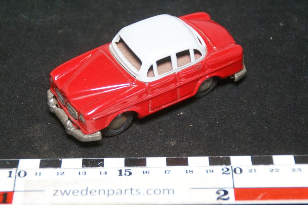 DSC02155 ca. 1956 miniatuur Volvo 1200 Amazon rood grijs ca100 mm lang, blik zeer goede staat-953ebb14