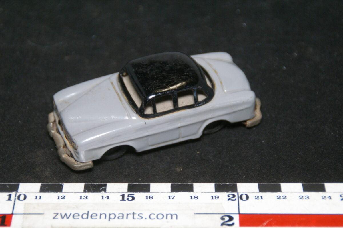 DSC02157 ca. 1956 miniatuur Volvo 1200 Amazon grijs zwart ca100 mm lang, blik goede staat-6d6979fd