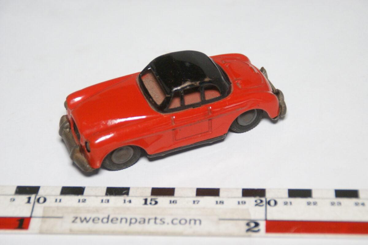 DSC02161 ca. 1957 miniatuur Volvo P1900 Sport rood zwart ca105 mm lang, blik zeer goede staat-3760a256