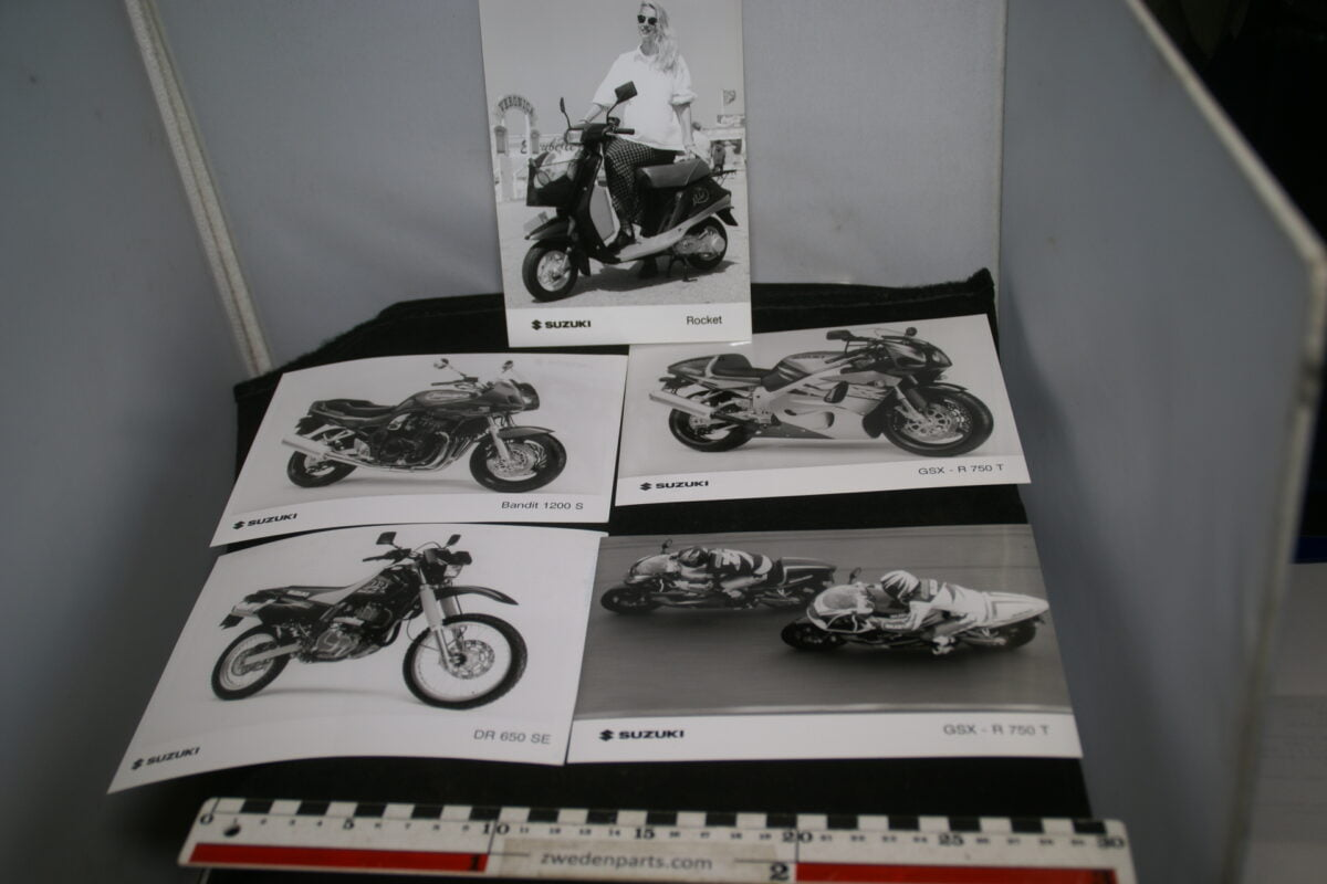 DSC02184 2001 originele persfoto's Suzuki motorfietsen-f9507f07