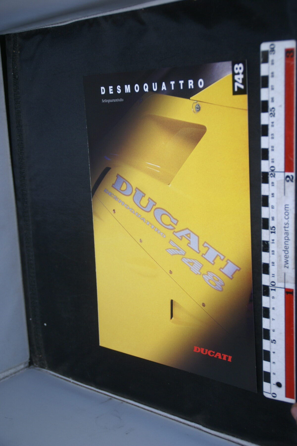 DSC02236 ca. 1994 originele brochure Ducati 748 motorfietsen nr GBD 101994, English, Deutsch-78294b96