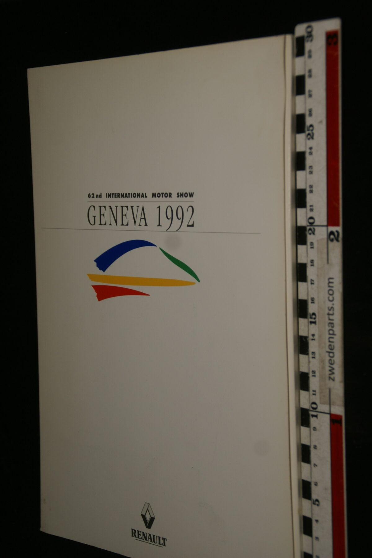 DSC09992 1992 originele persmap Renault Geneve, English-31647bf7