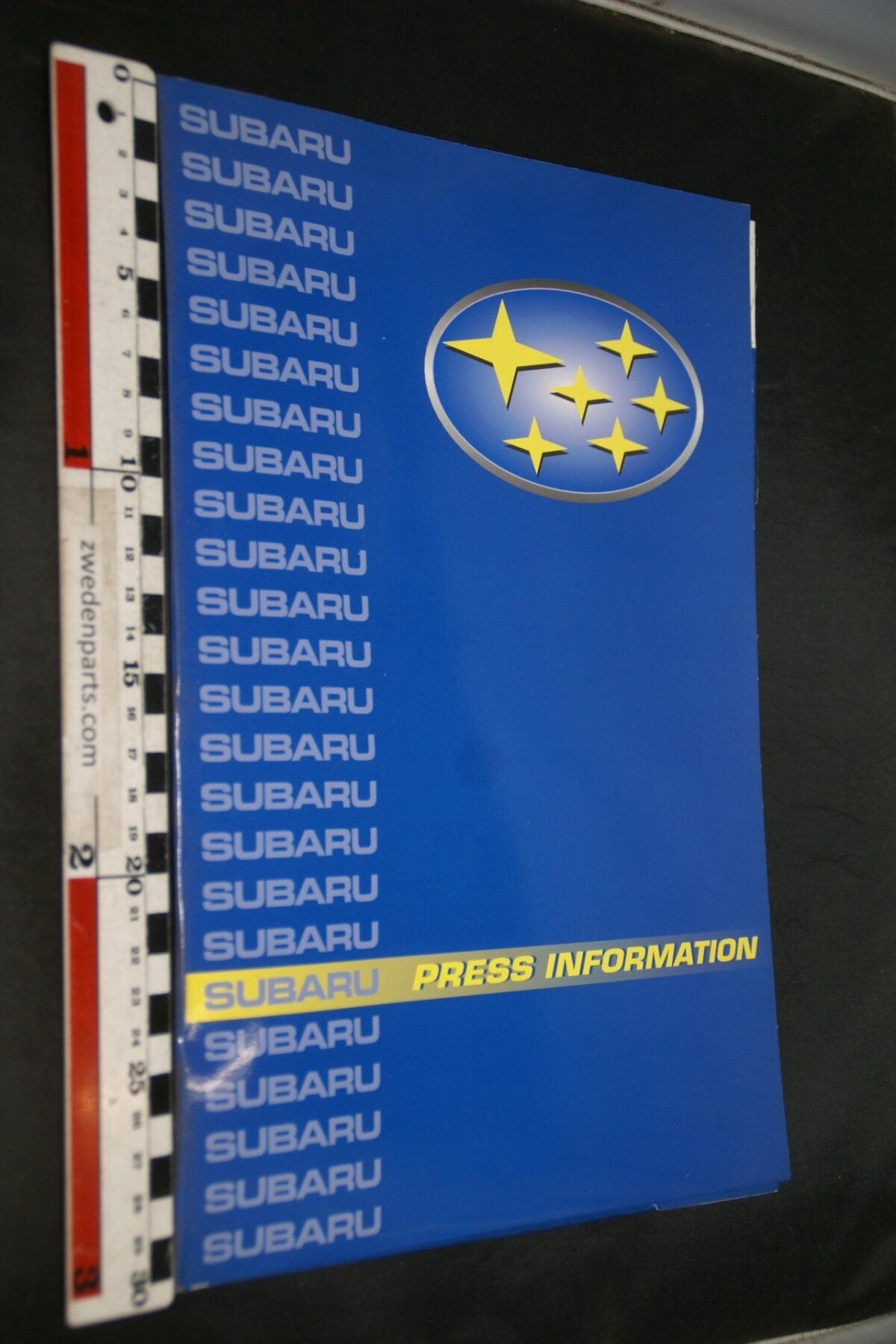 DSC02413 2001 originele persmap Subaru-9190b821