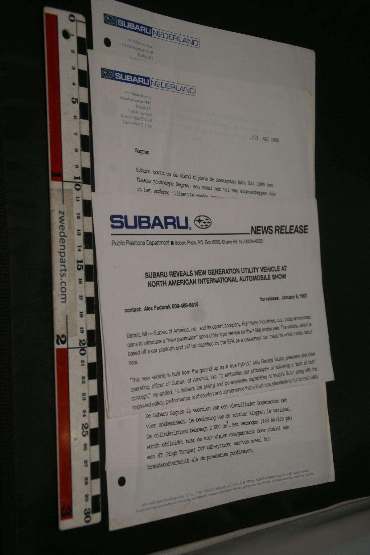 DSC02446 1995 1997  3x originele persbericht Subaru-7a0dac27