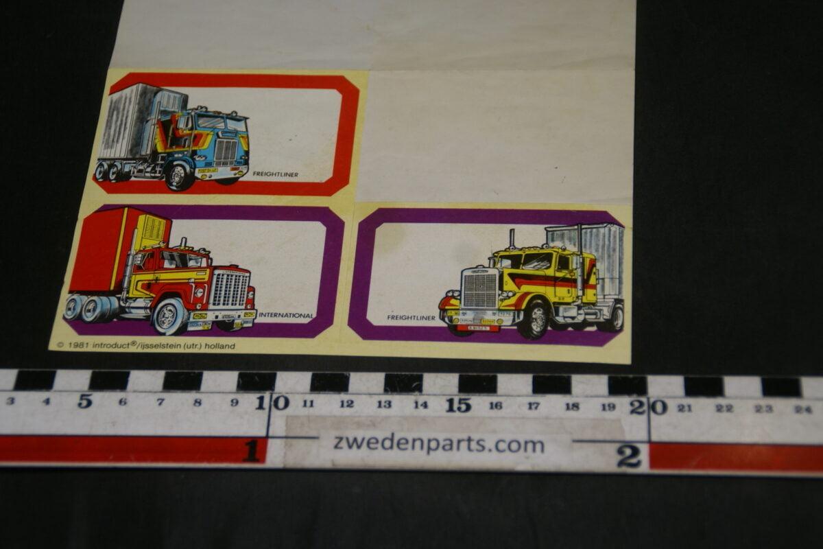 DSC02552 vel stickers etiketten met 4 vrachtwagens DAF Mack etc.-2236be37