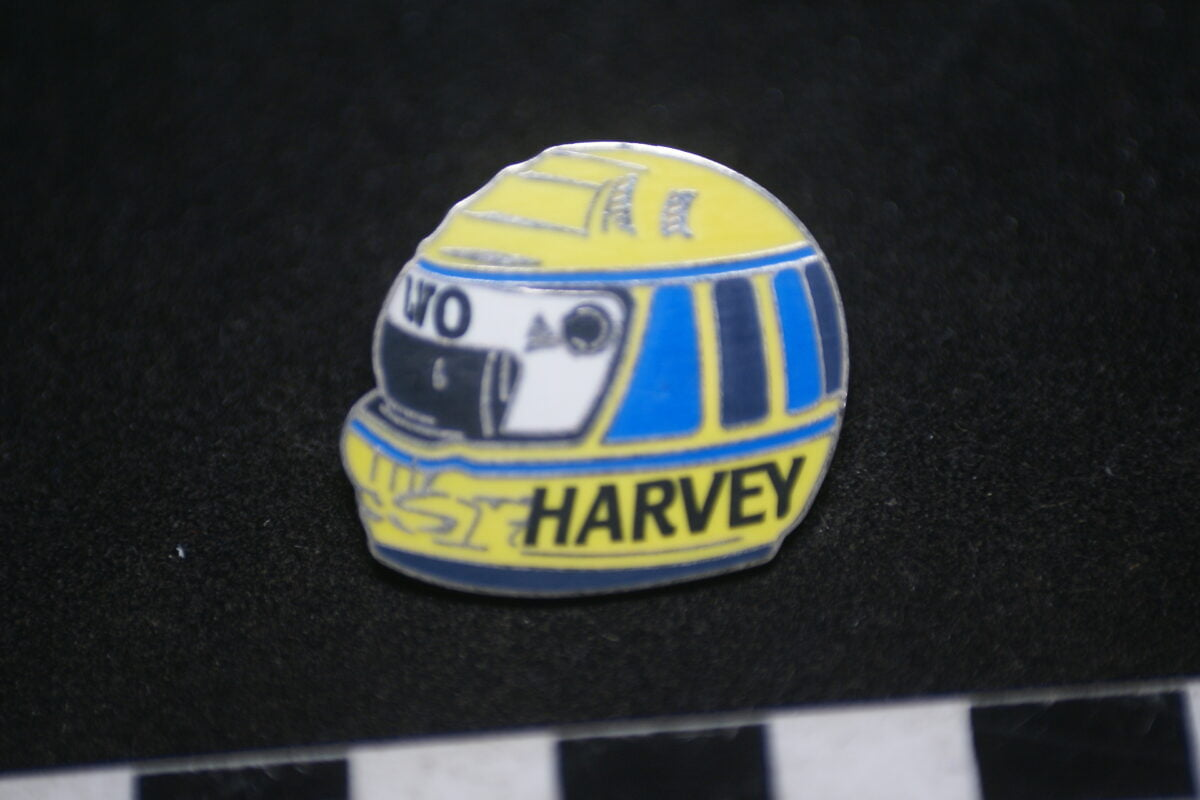DSC01996 pin Volvo helm Harvey mint-b4158455