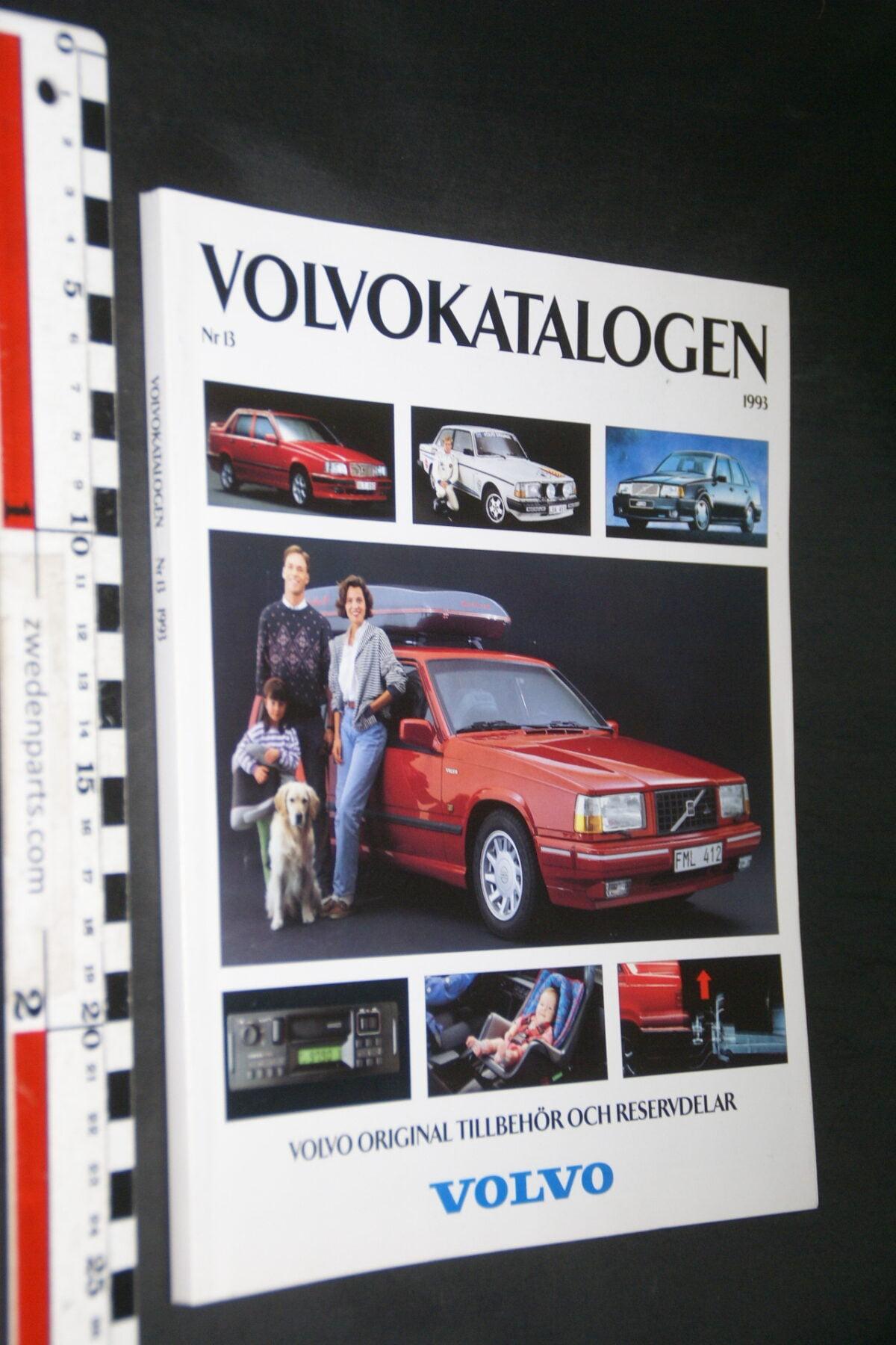 DSC03316 1993 origineel boek Volvo Katalogen accessoires nr VBE 4713-5ed69a3f