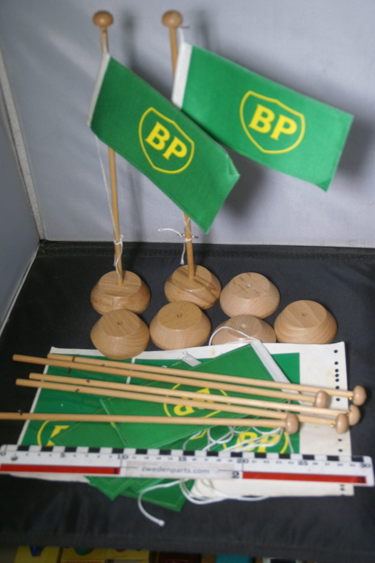 DSC03708 ca 1970 originele vlaggen met standaard BP NOS-7942af05
