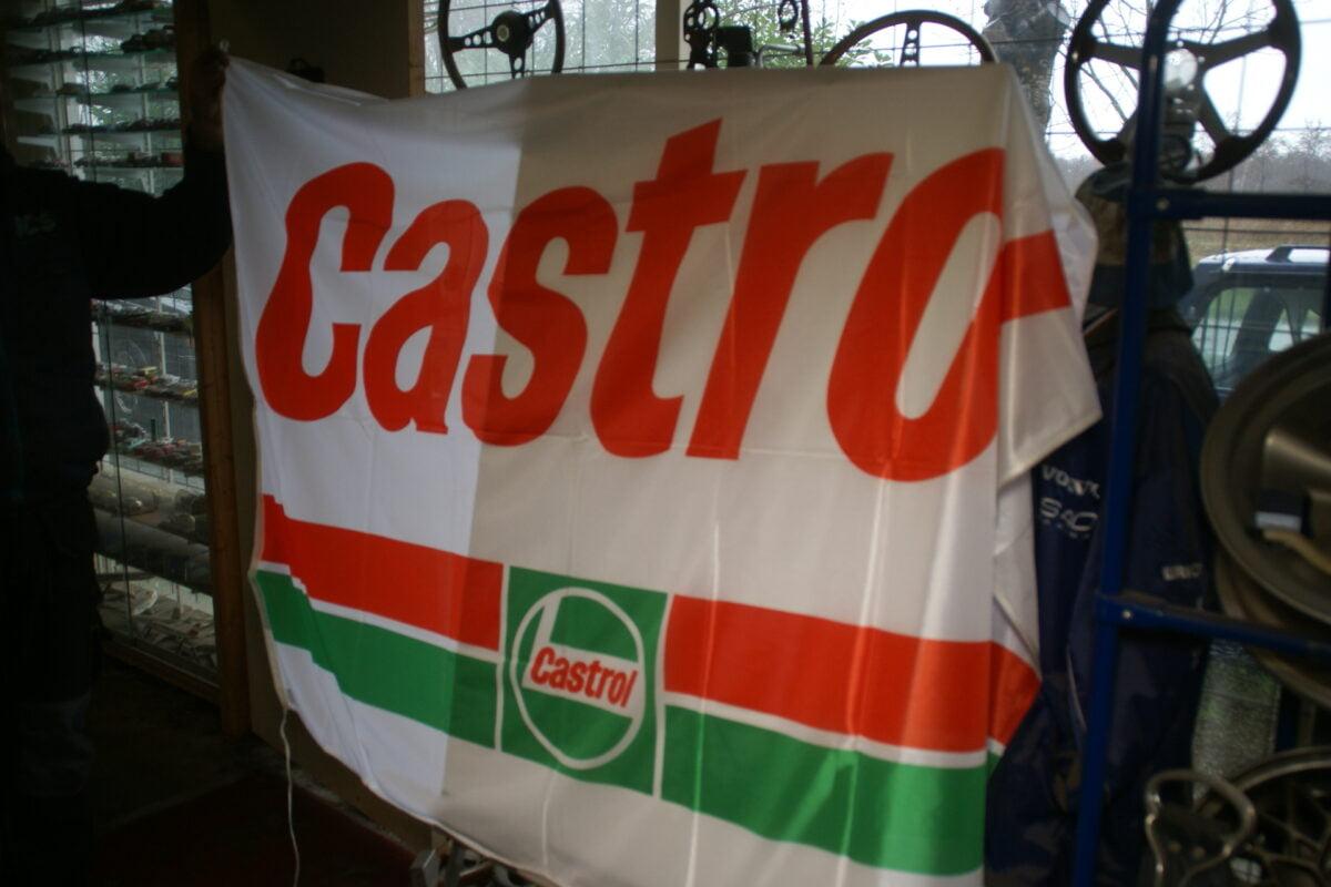 DSC03722 ca 1970 originele vlag CASTROL olie ca. 120 x 180 cm NOS-39884750