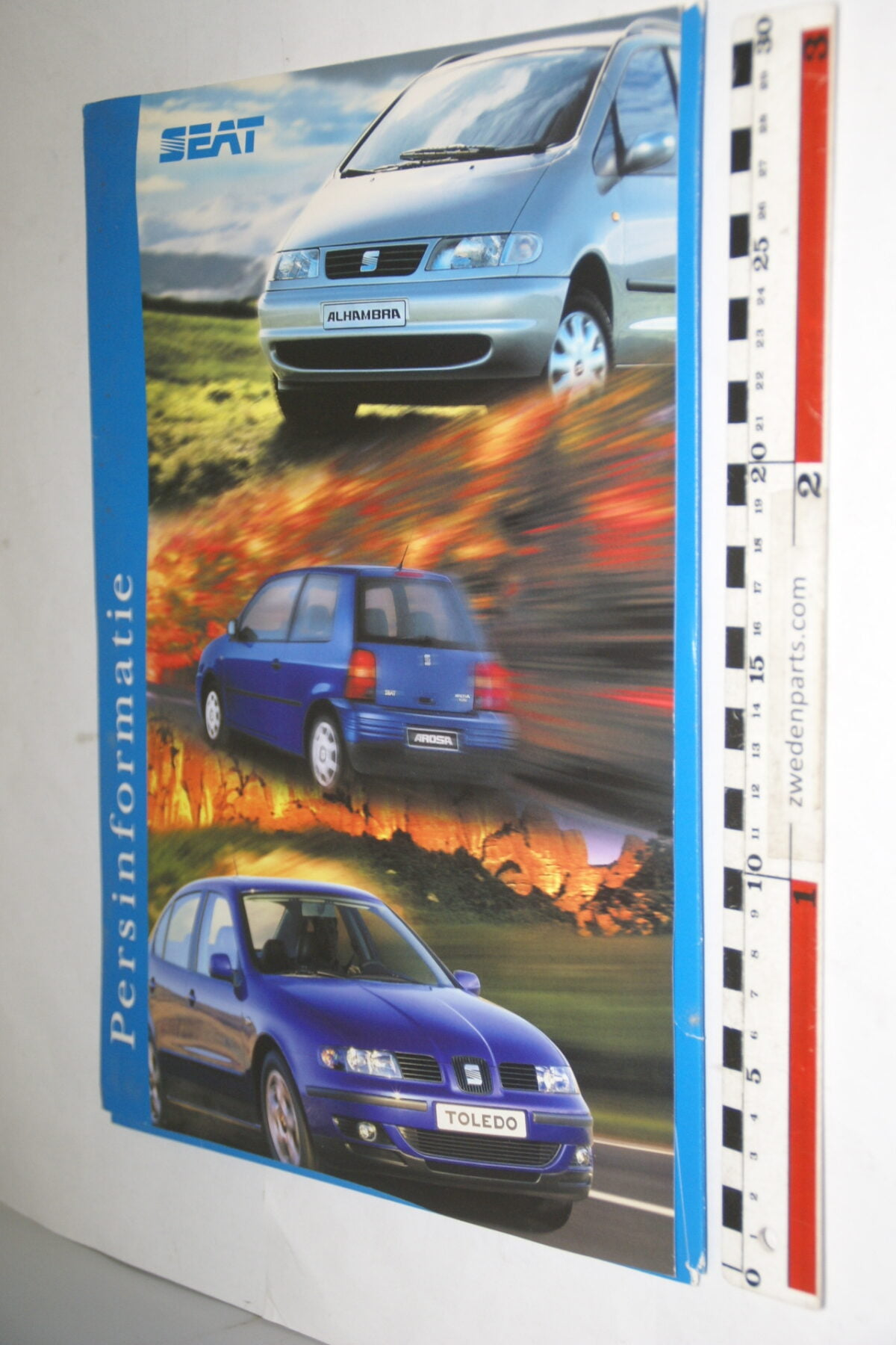DSC03751 1999 originele persmap dikke ringband SEAT, AutoRAI-edf496e5