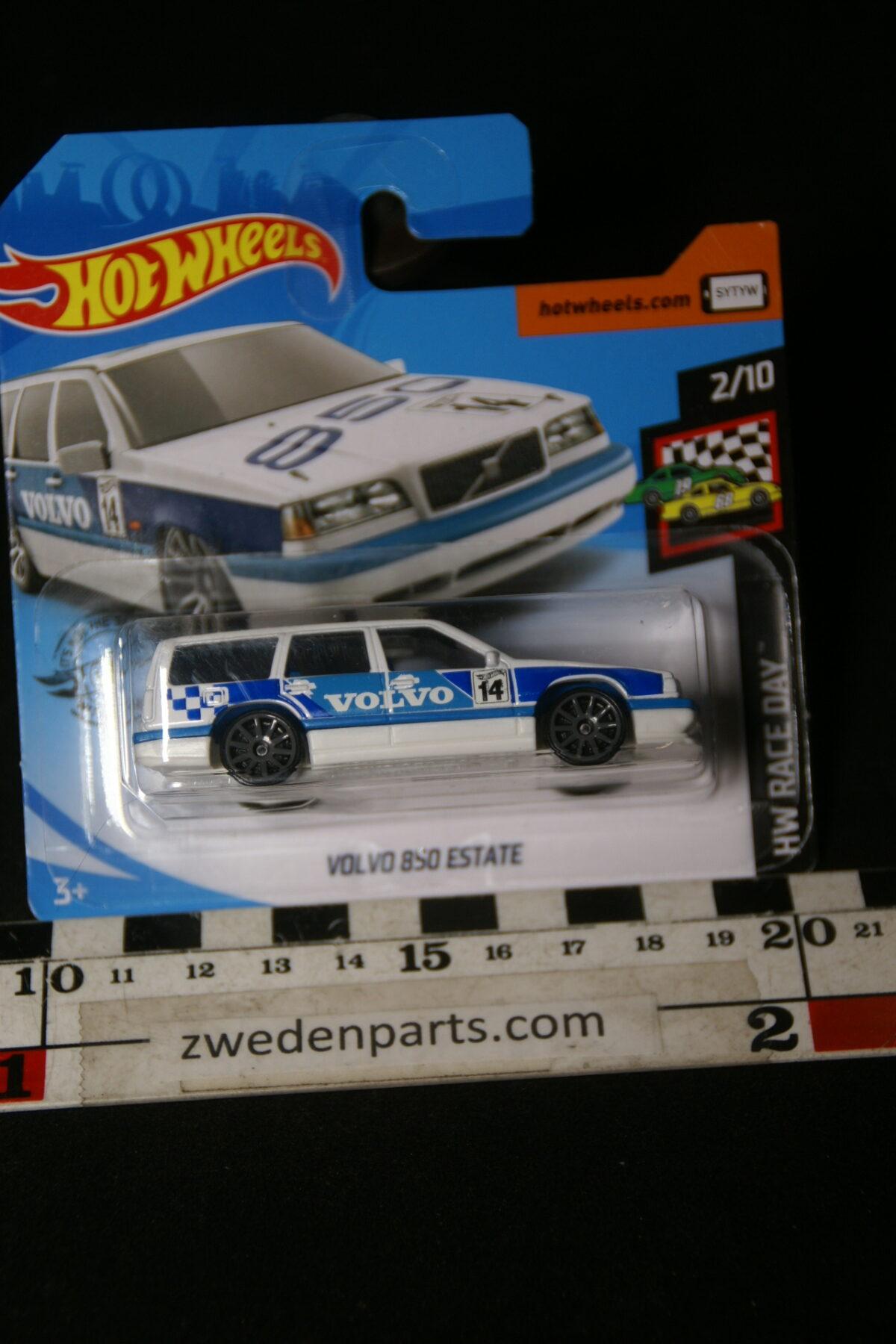 DSC02047 origineel miniatuur Volvo 850 estate racing Hotwheels MB-e8c18eec
