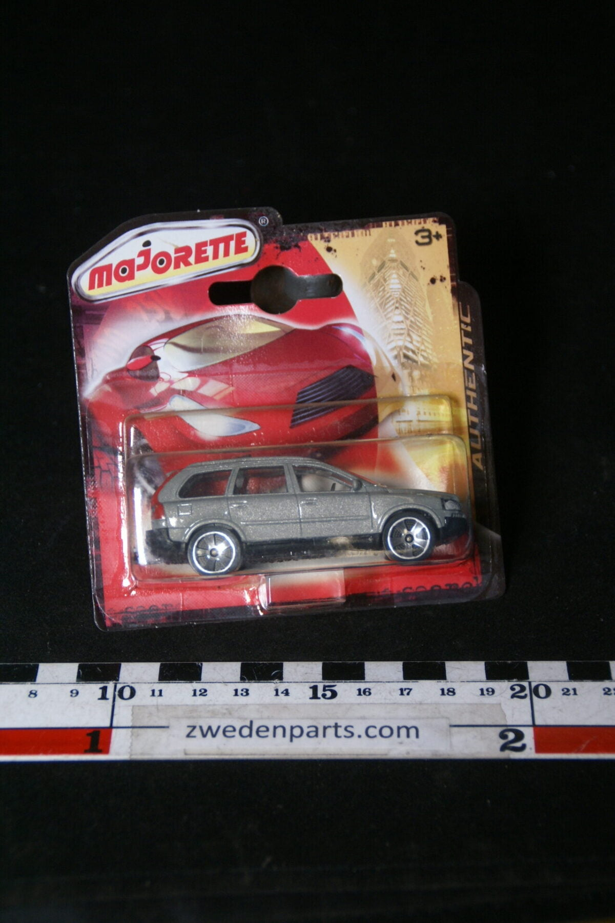 DSC02081 2011 origineel miniatuur Volvo CX90 grijs Majorette shortblister MB-b951cafa