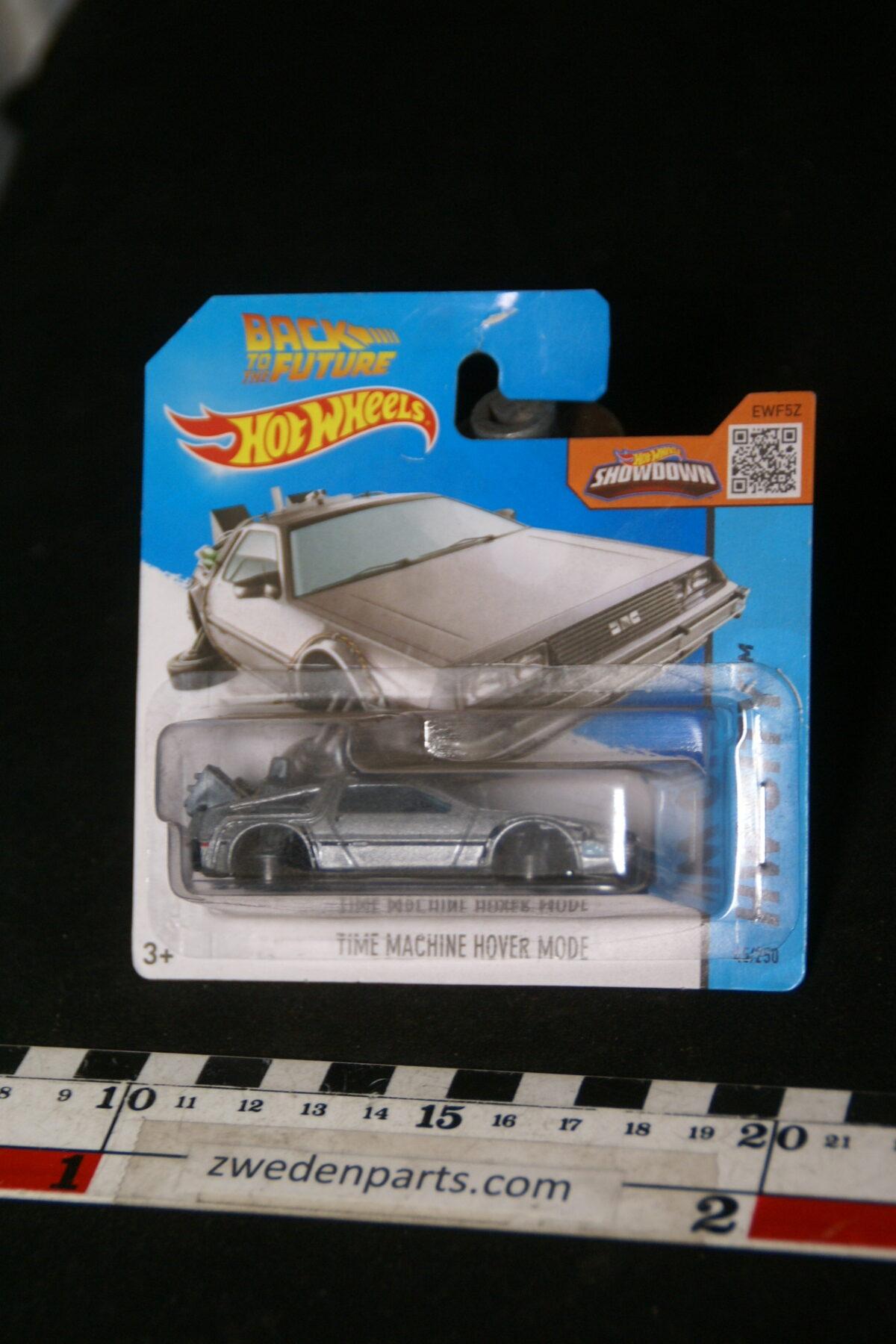 DSC02087 origineel miniatuur Delorean met Volvomotor Back to the future Hotwheels MB-a5e82456