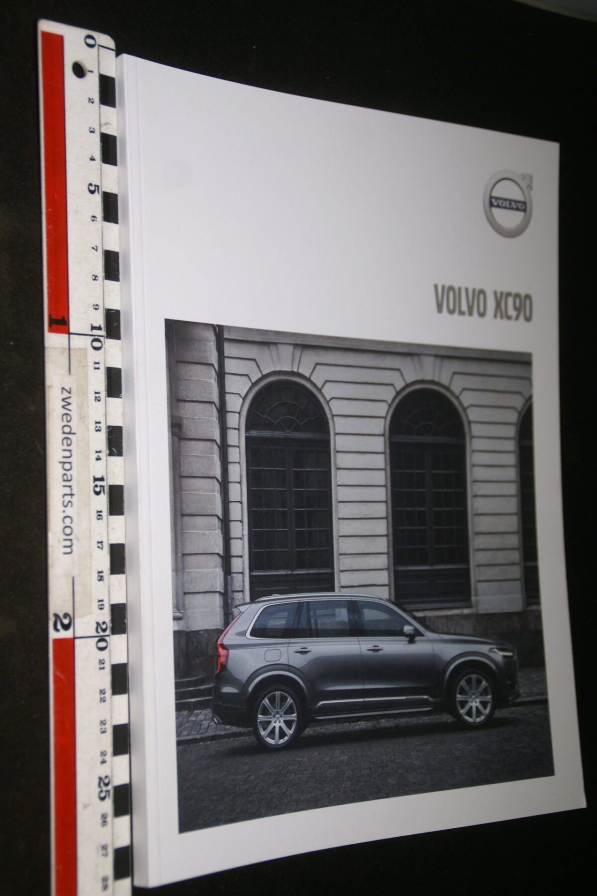 DSC04450 2014 brochure Volvo XC90 nr. MY 18 5-2017-V1-4da71014