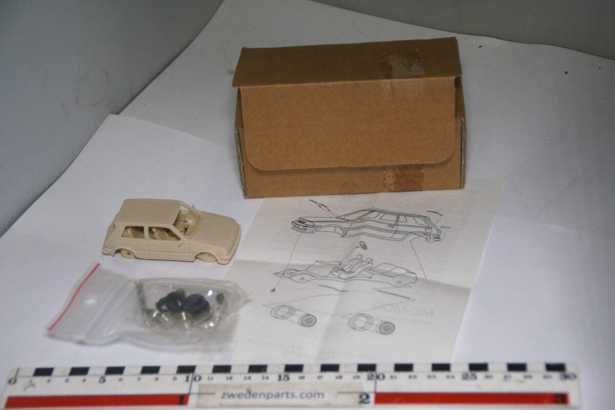 DSC04682 ca. 1989 miniatuur kit 1987 Toyota Starlet 1.3S 1op43, ME-MOD MB-e3727e29