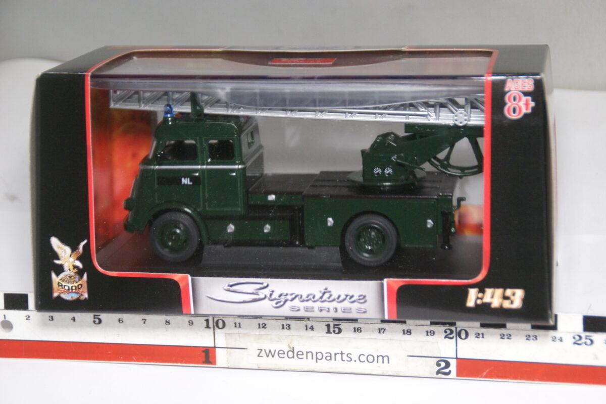 DSC04700 miniatuur 1962 DAF A1600 leger brandweer 1op43 Lucky Road Legends nr 43016D MB-a20fc1be