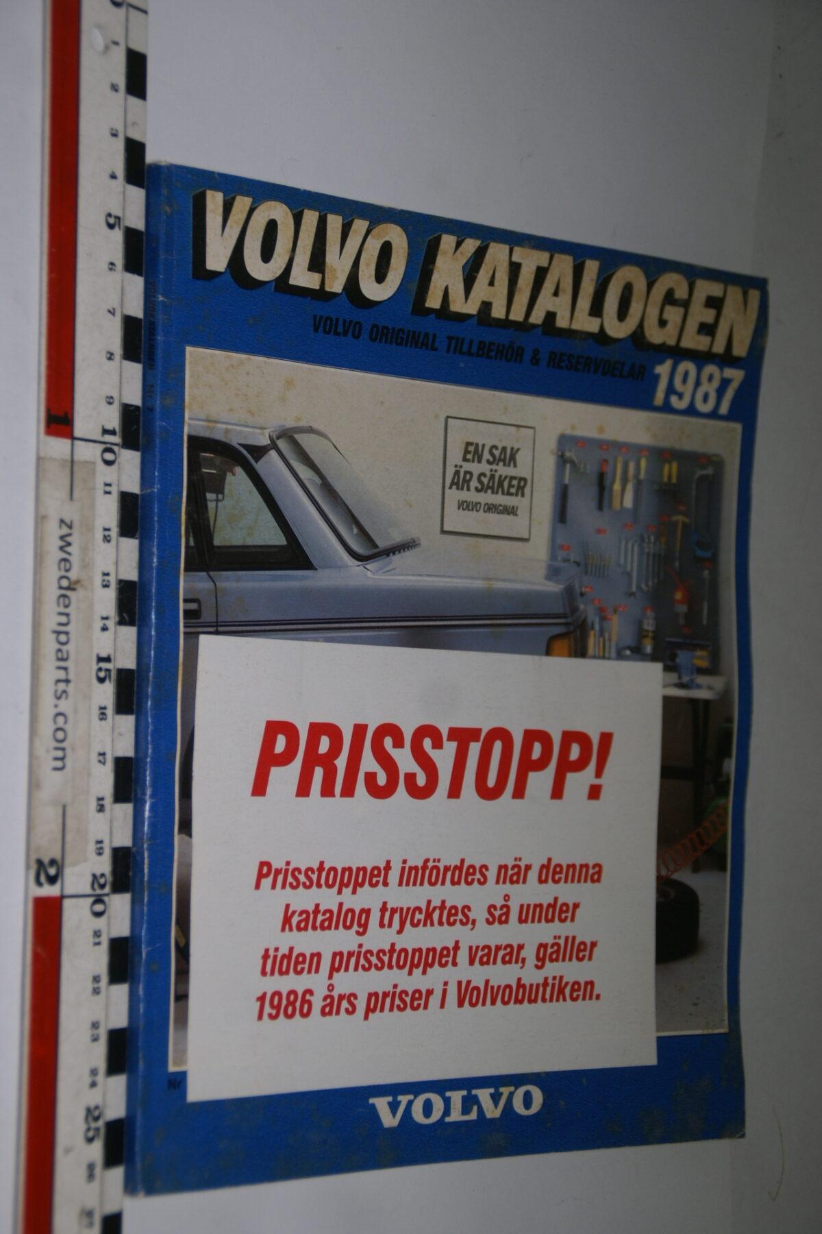 DSC04726 1987 origineel boek Volvokatalogen-9d7f7c37