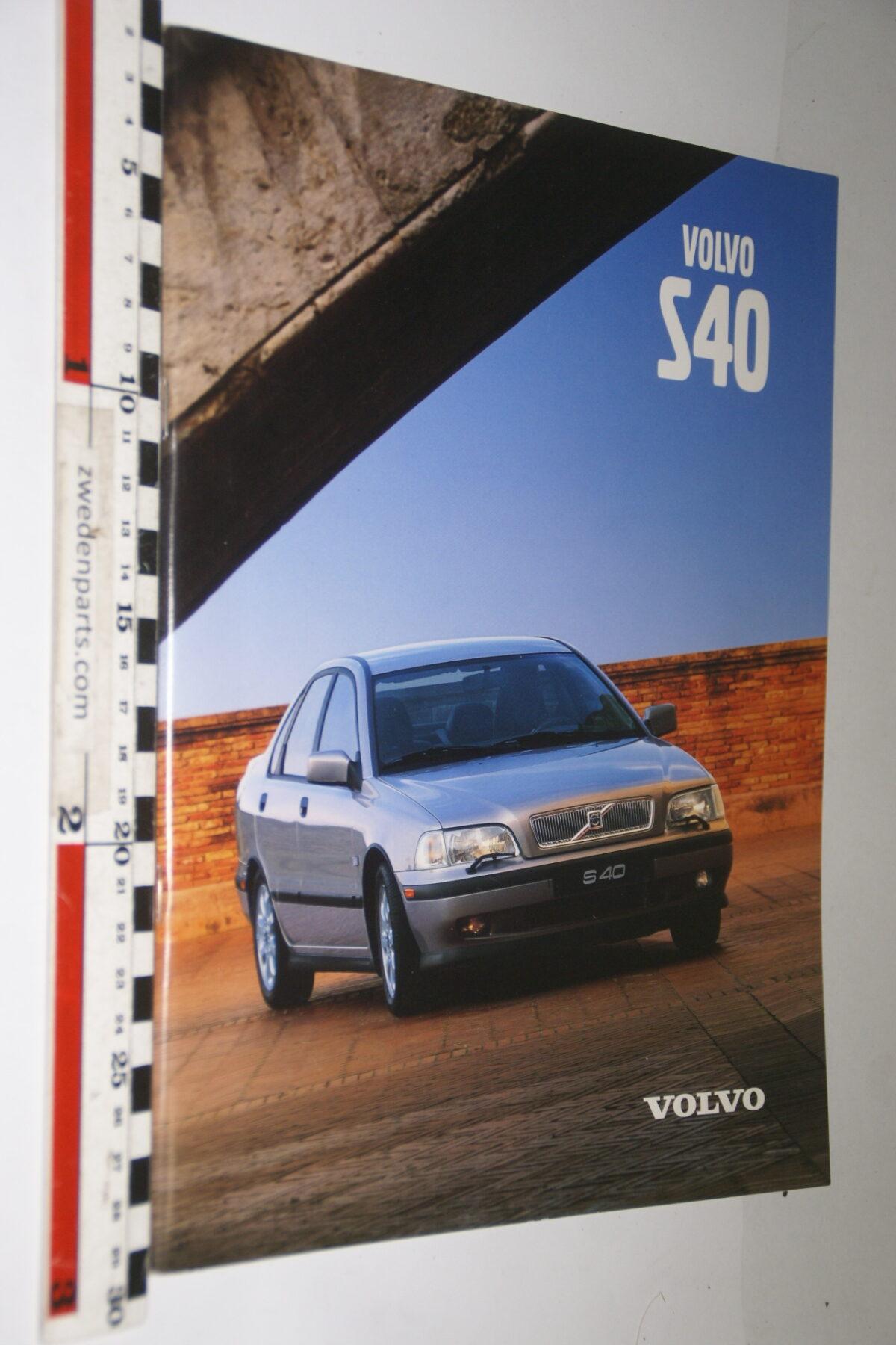 DSC04729 1998 originele brochure Volvo S40 nr MY99 VNL V2-3c521aa7