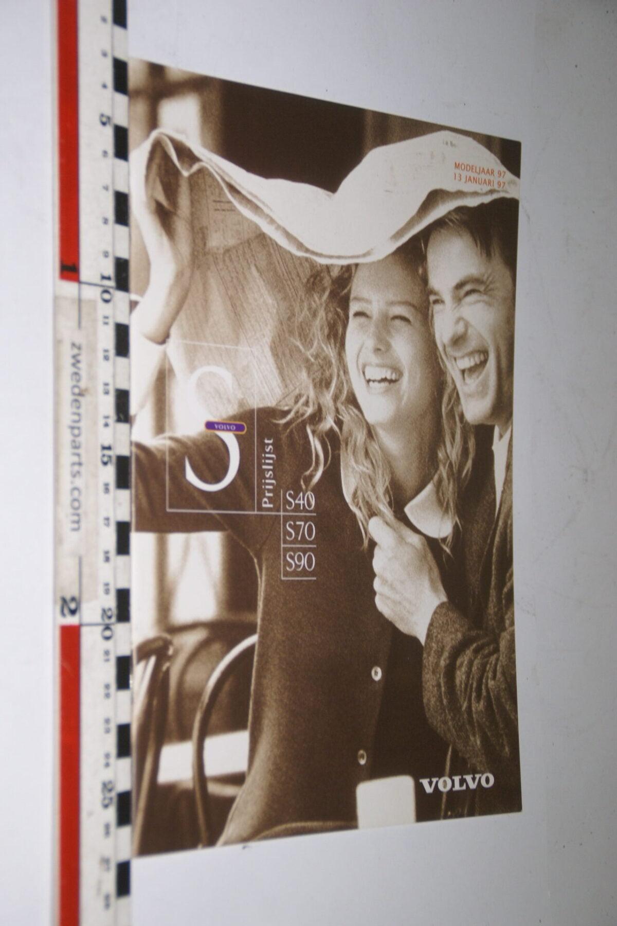 DSC04988 1997 originele brochure nr. VO19701-13 Volvo S40 S70 S90-f43e150a