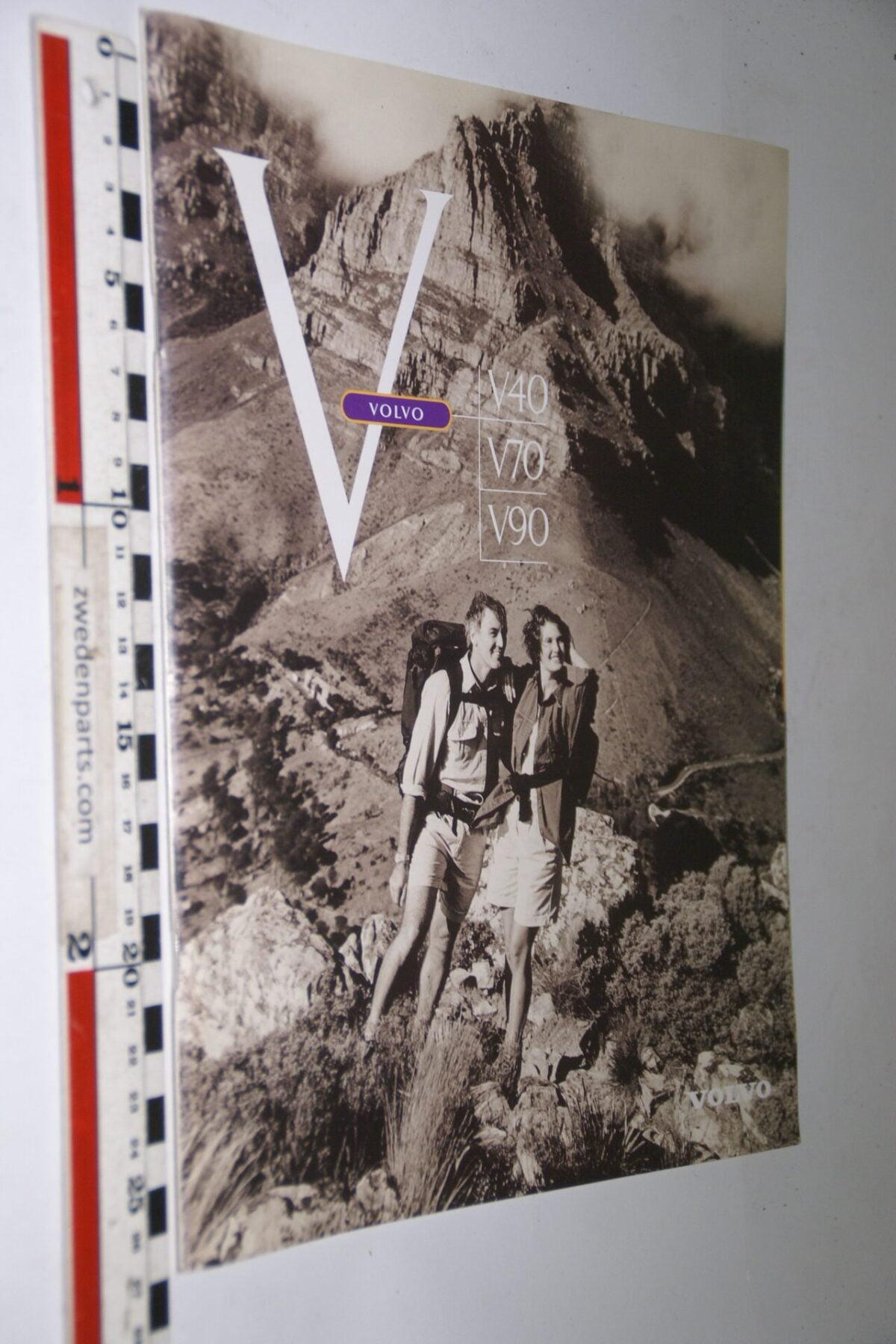 DSC04990 1997 originele brochure nr. A0197 Volvo V40 V70 V90-61bb1845