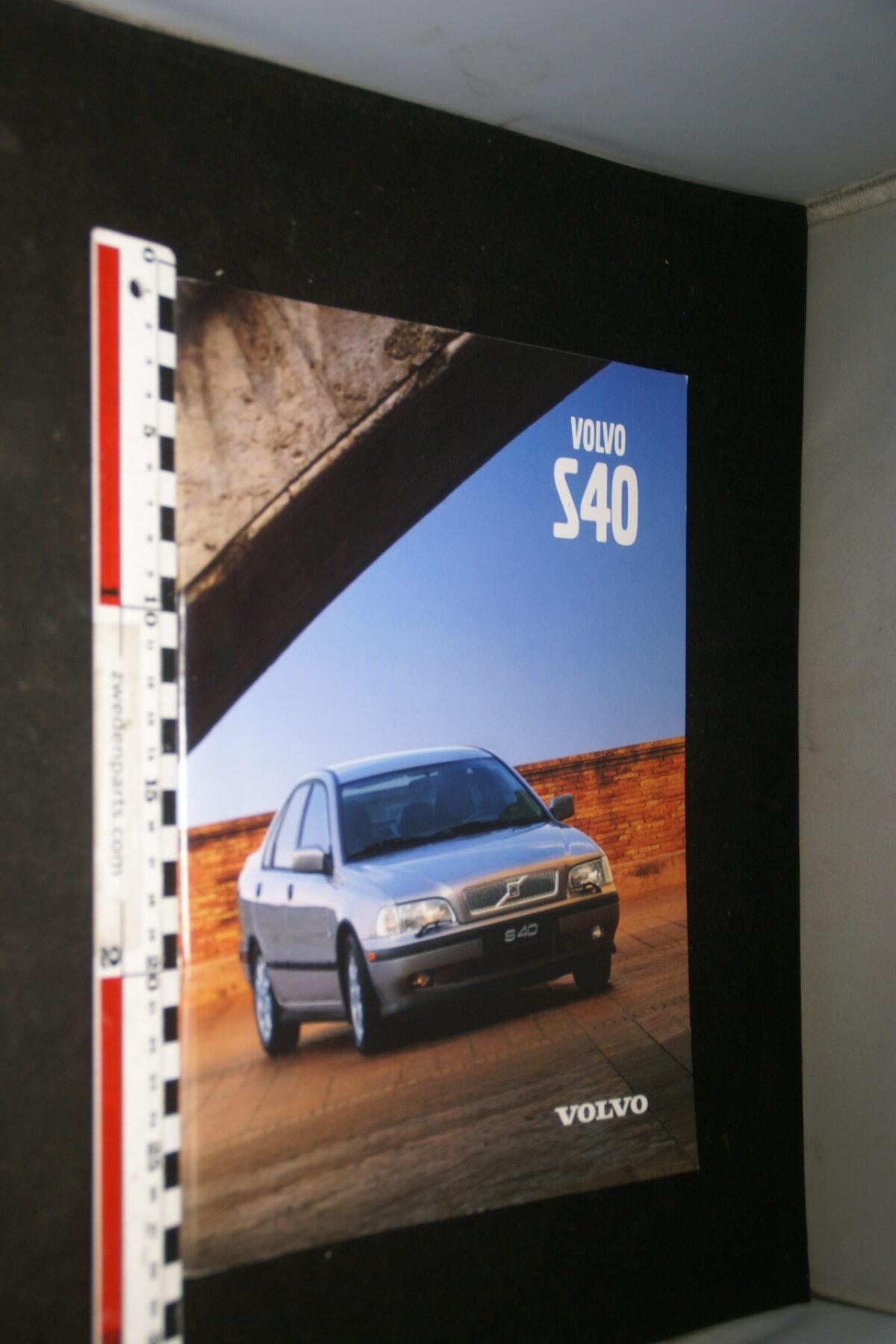 DSC05017 1998 originele brochure nr. VNLV2 9801 Volvo S40-b578523e