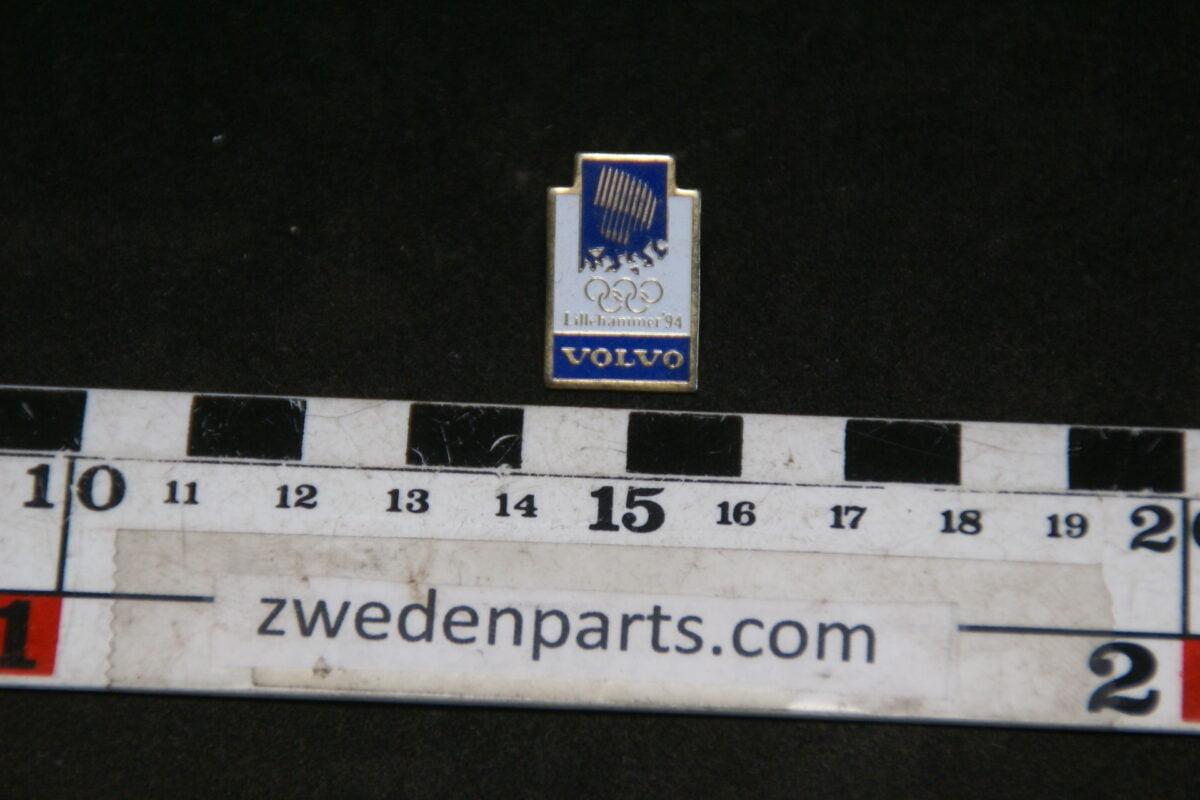 DSC05418 1994  originele Volvo pin Lillehammer Olympische Spelen blauw-dcddce17