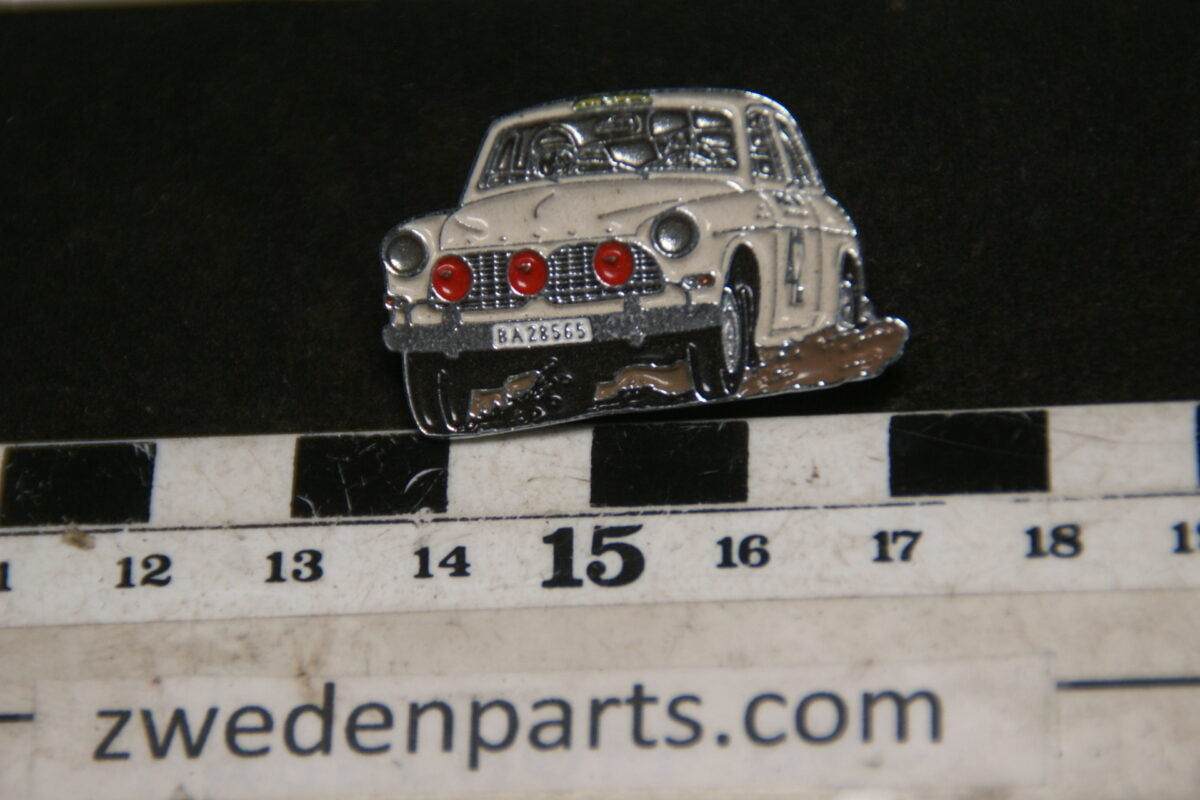 DSC05471 originele Volvo Amazon  rally wit pin-2938216b