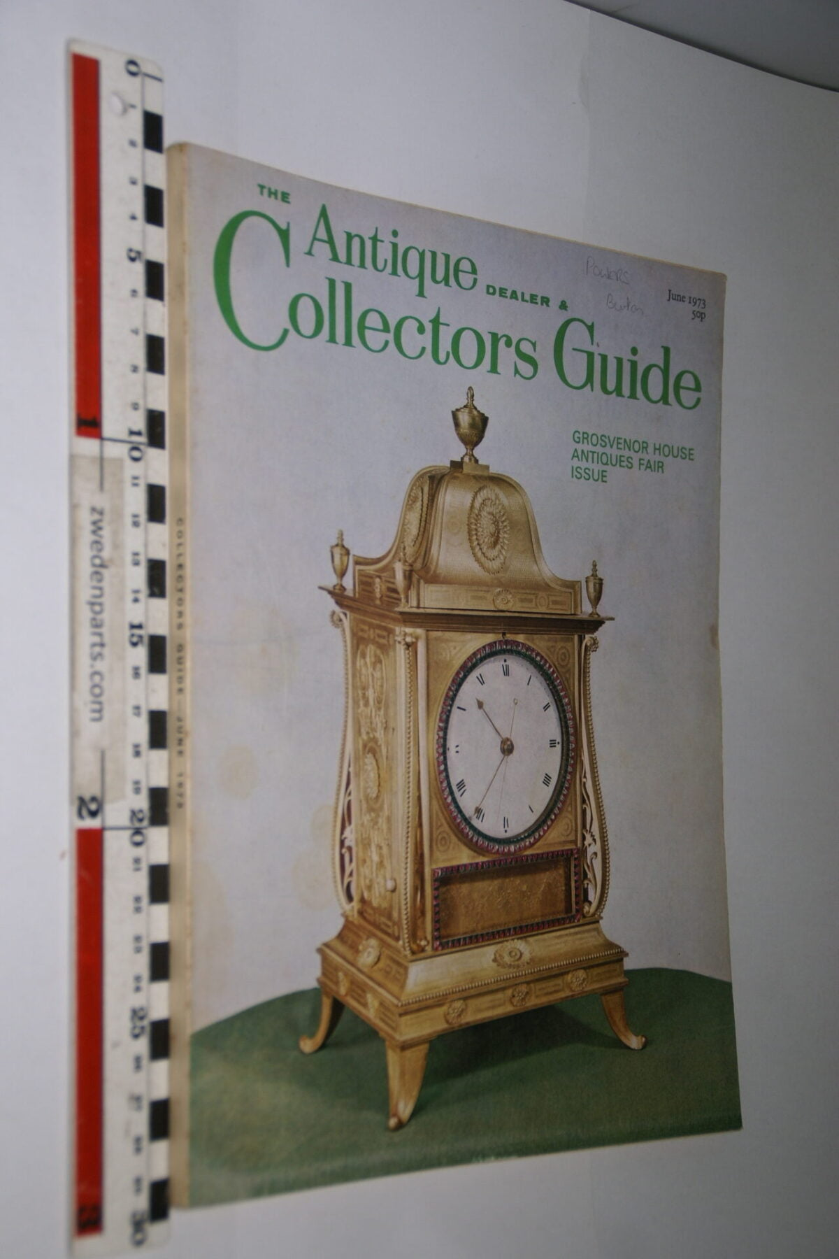 DSC06215 1973 juni tijdschrift Antique Collectors Guide, English-48716139