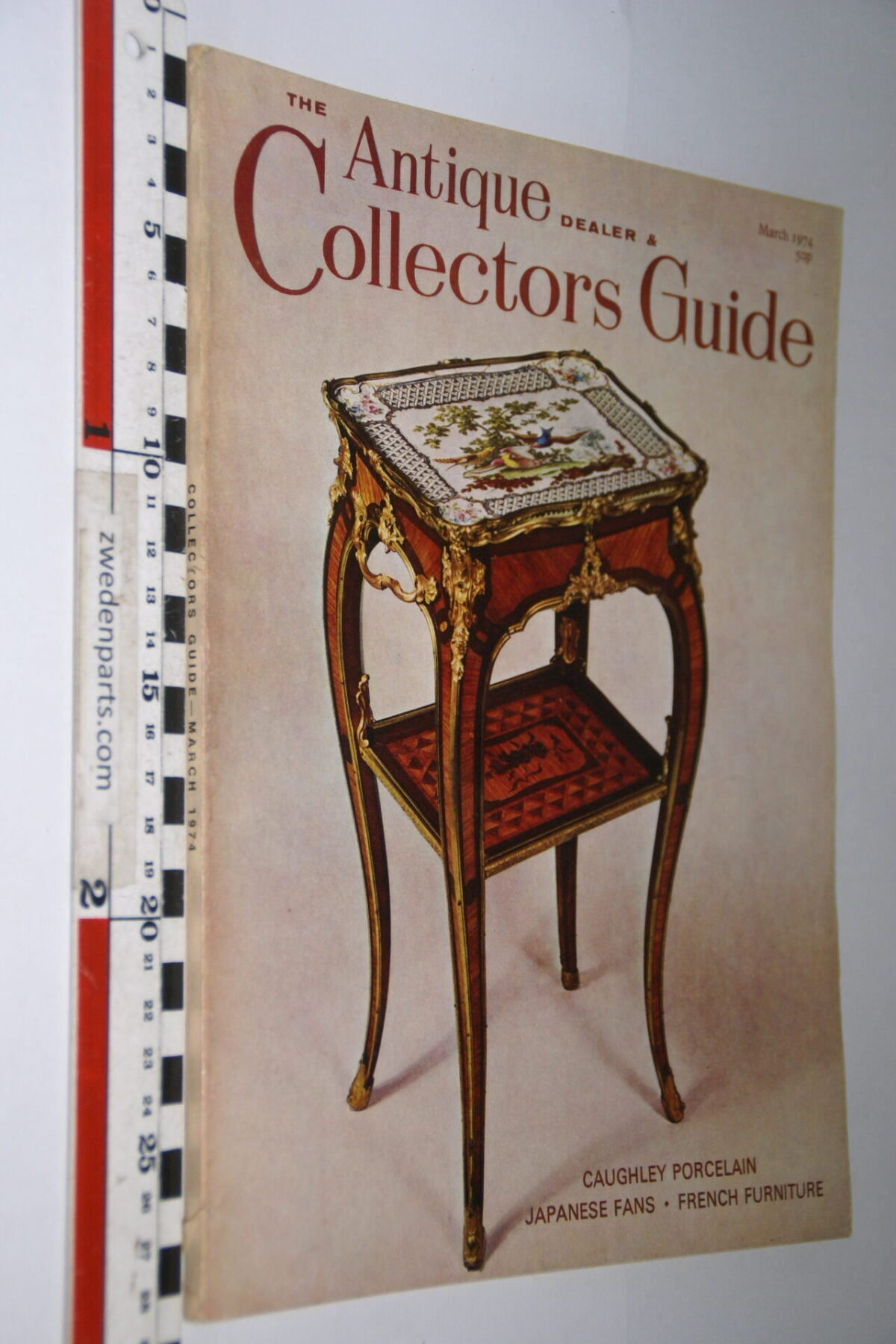 DSC06225 1974 maart tijdschrift Antique Collectors Guide, English-78eb1db9