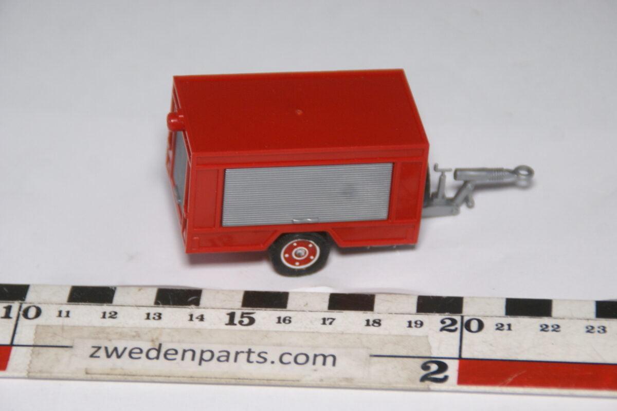 DSC06290 70er jaren metalen aanhangwagen motorpomp Solido, 1op50-c76b07d1