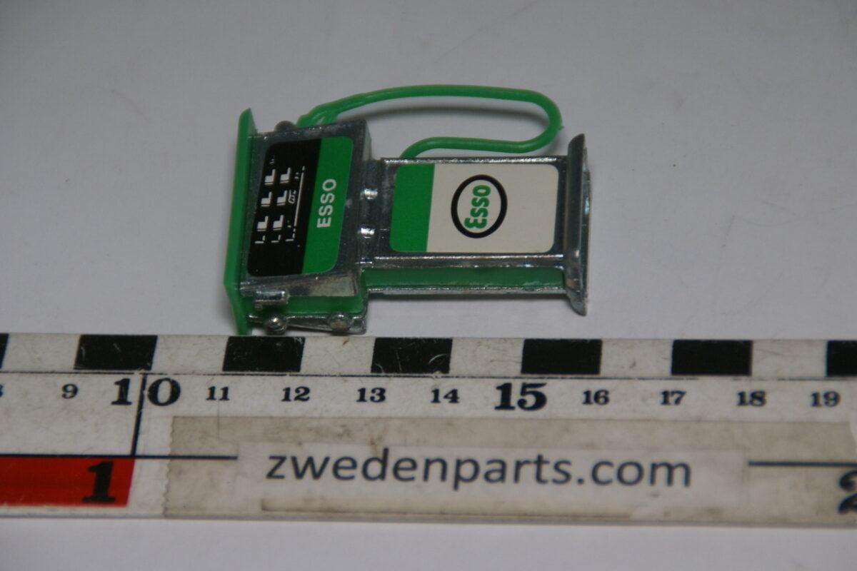 DSC06341 80er jaren  benzinepomp Esso-18f28e9b