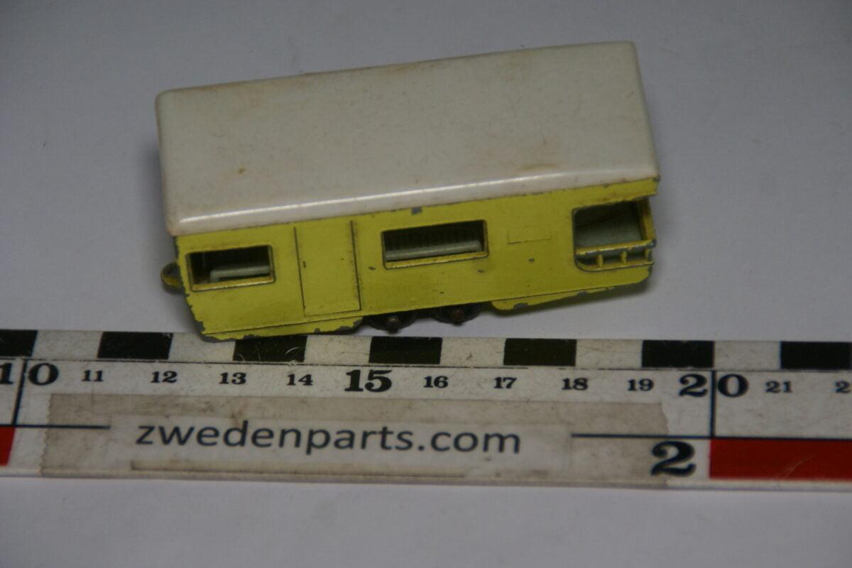 DSC06352 70er jaren metalen caravan Matchbox nr.23-067332c7