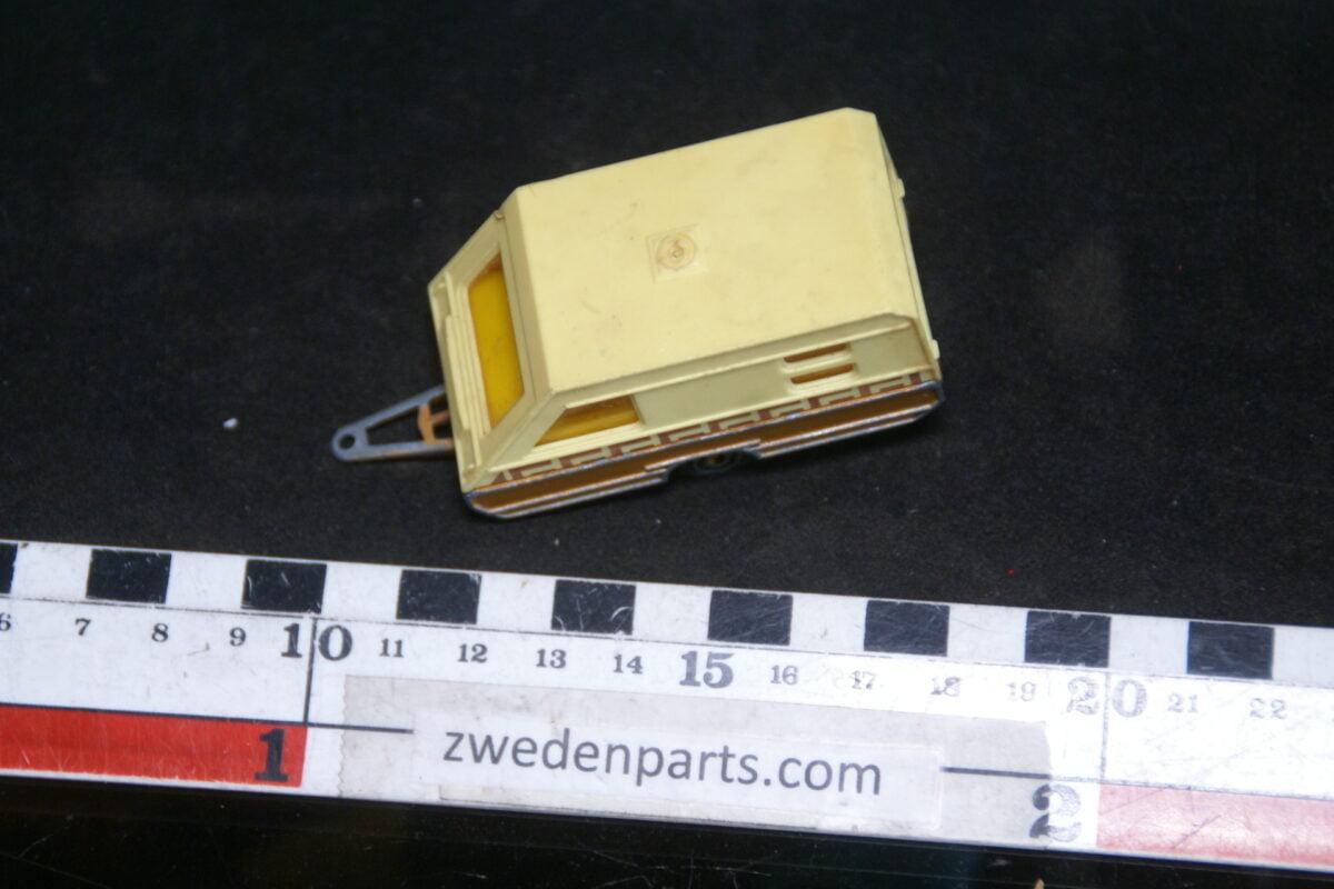 DSC06377 70er jaren metalen caravan 1op70 Majorette nr 825-e7559351