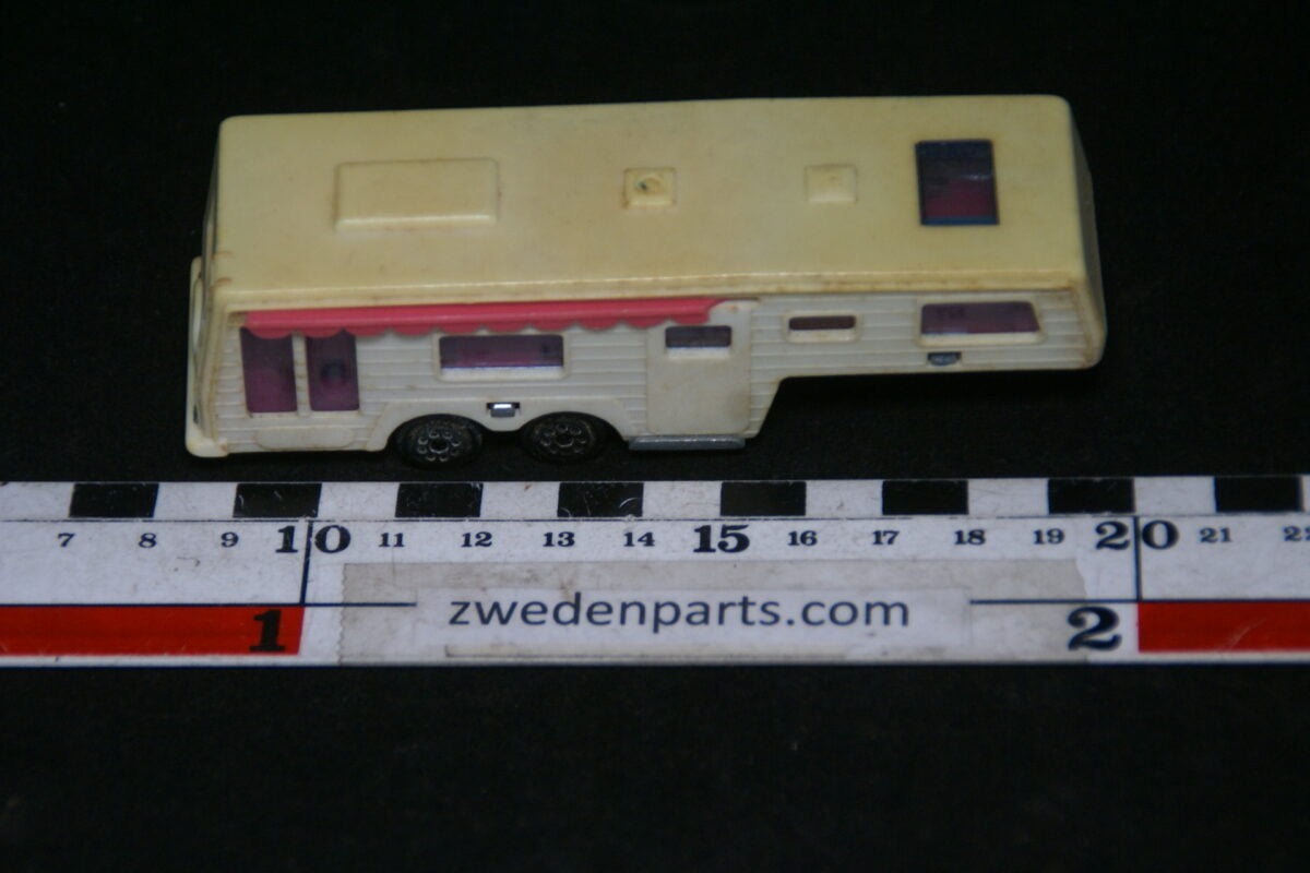 DSC06385 1970 metalen camping car de luxe 1op60  Majorette nr 313-4937d0e5