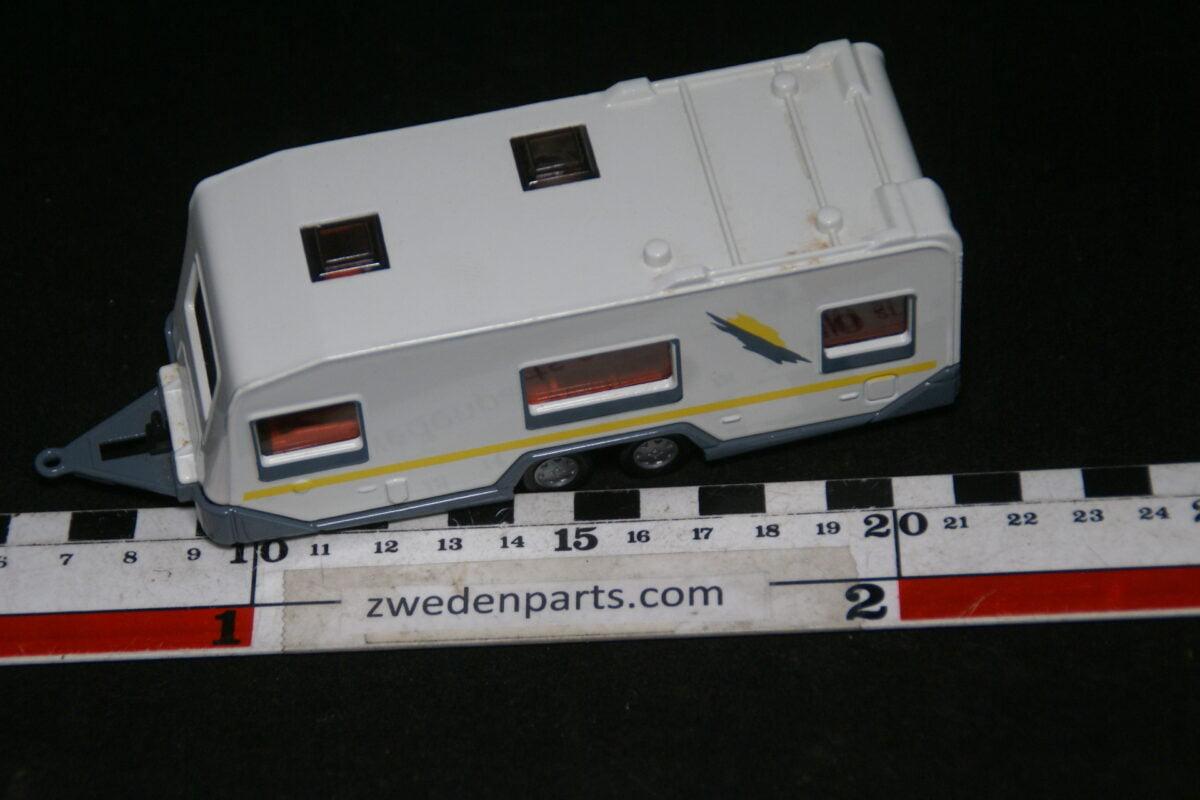 DSC06389 metalen caravan Siku-57f10433
