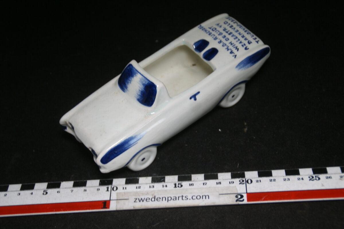 DSC06780 60 er jaren ceramische auto asbak Ford Taunus Gijdt Barneveld-f853075d