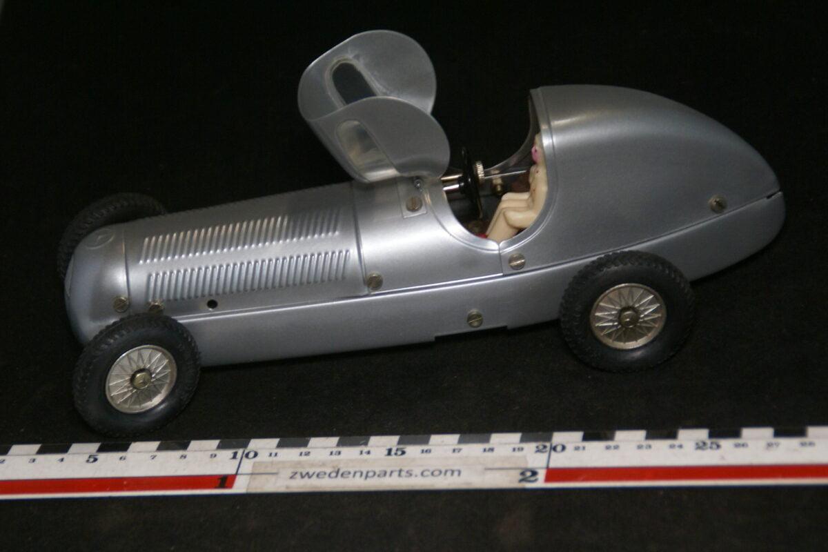 DSC07987 ca 1988 miniatuur Märklin metalen raceauto Mercedes grijs ca 1op18 nr 1906-76ba87dd