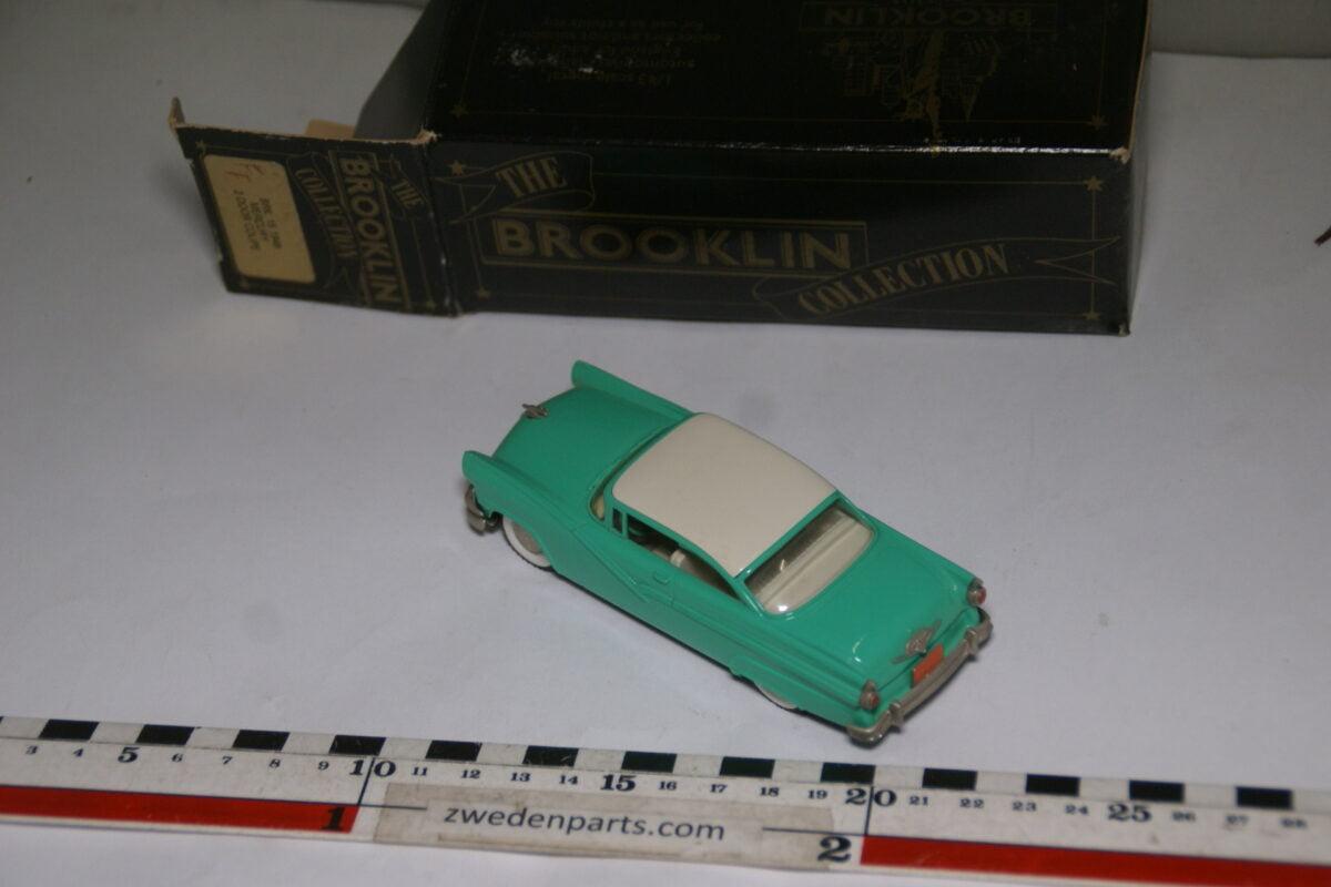 DSC08034 1949 miniatuur Brooklin Models Ford Fairlane groen 1op43 nr BRK 23 MB-6696433b