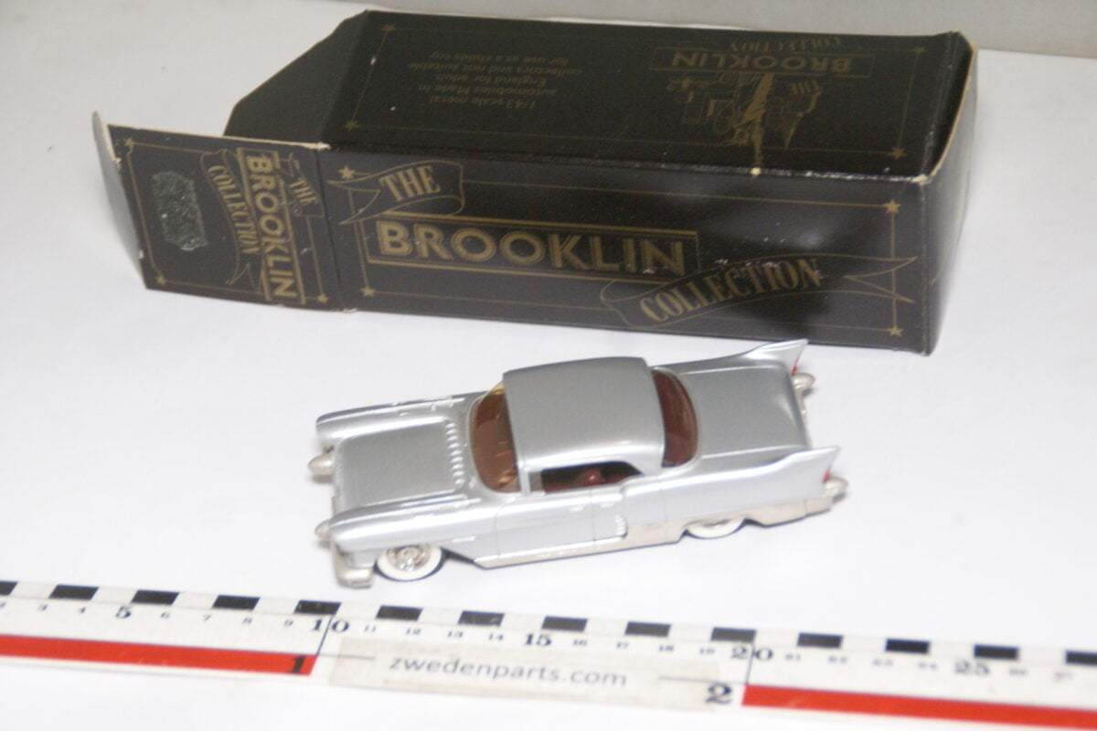 DSC08038 miniatuur Brooklin Models Chrysler 2 door coupé silver 1op43 nr BRK MB-f2f1cce3