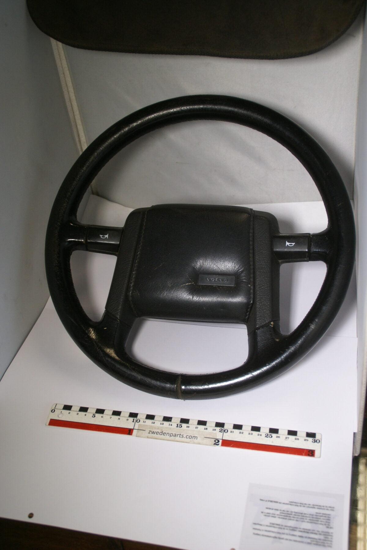 DSC08399 origineel lederen stuurwiel Volvo 700 900-0da9100f