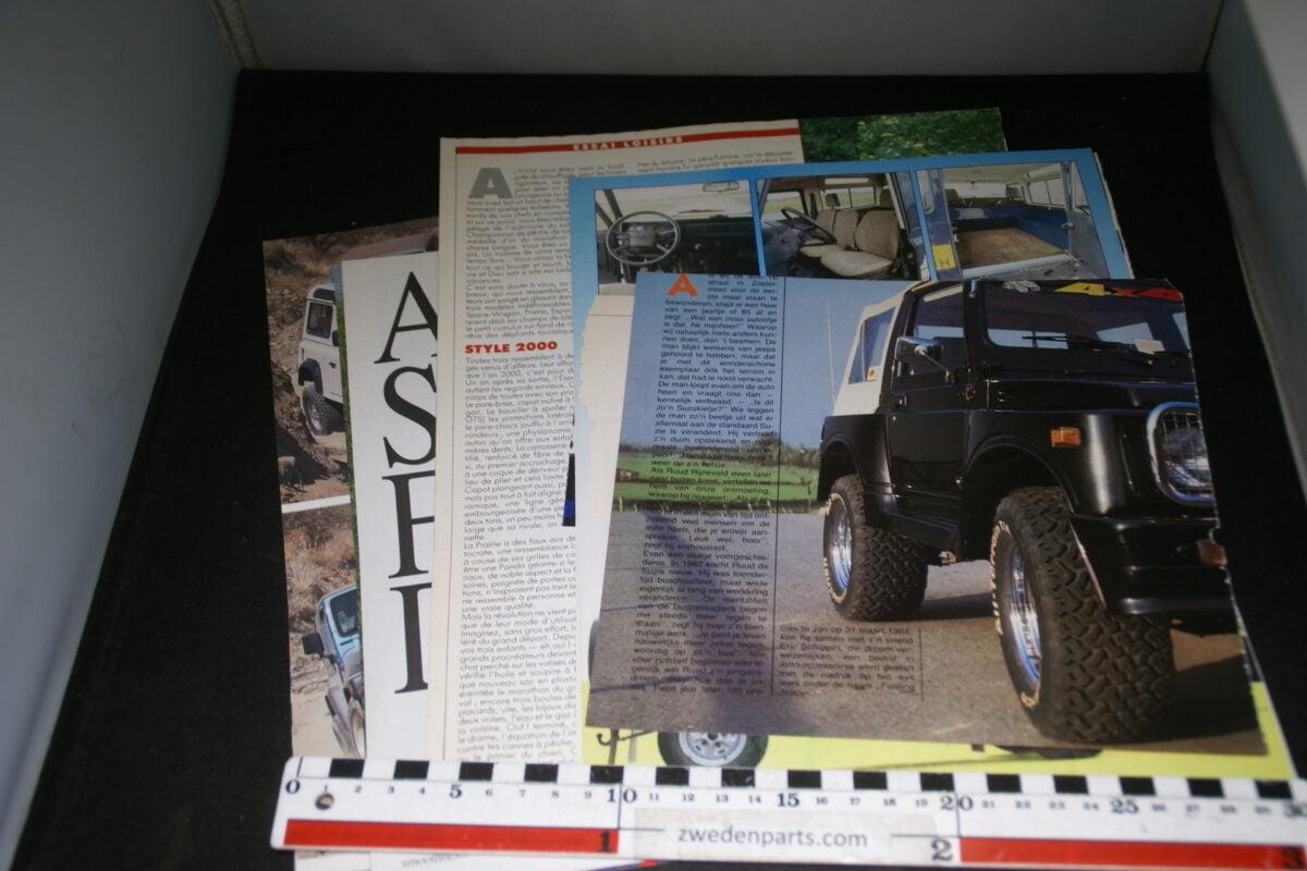 DSC08410 ca. 1985 map met tijdschrift artikelen van Landrover Defender korte wielbasis-0a086b41