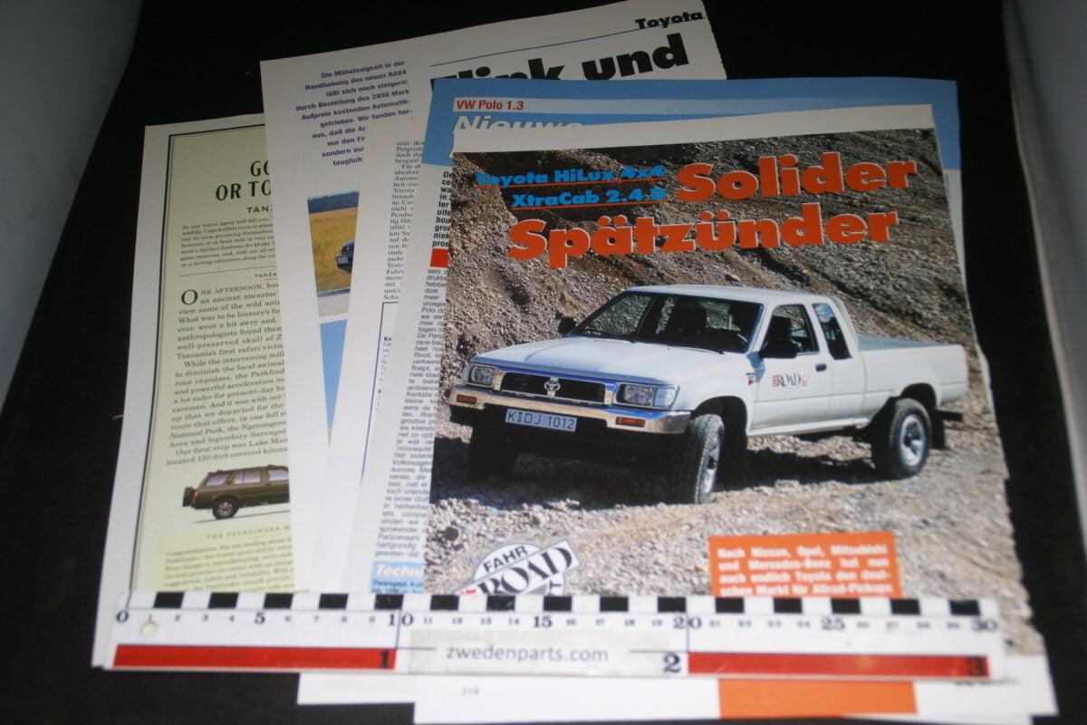 DSC08414 map met tijdschrift artikelen van Toyota RAV4-3570faaa