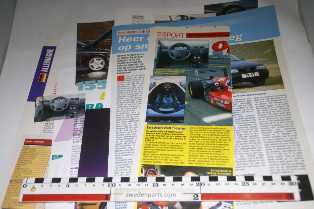 DSC08424 map met tijdschrift artikelen van Opel Calibra-2ceabfa7