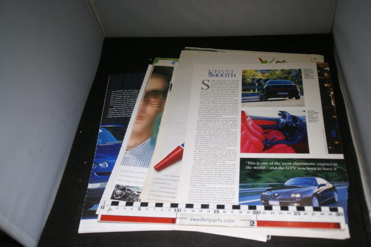DSC08438 map met tijdschrift artikelen van Alfa Romeo GTV-854b149d